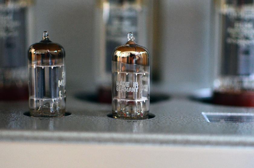 NOS ECC82 Siemens silver plates