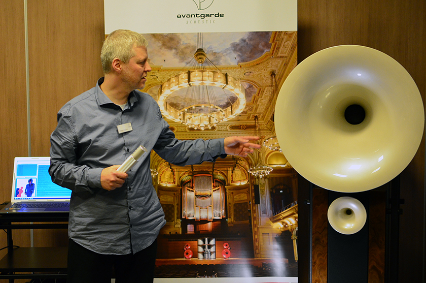 The guy from Avantgarde acoustic explaining how the horn speaker works