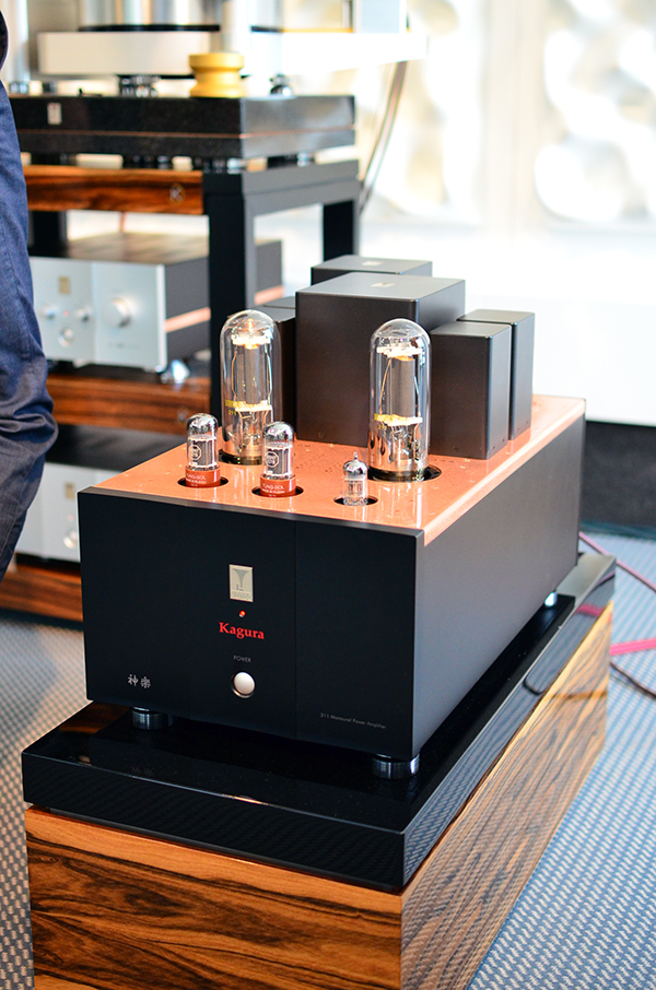 Kagura 211 parallel single ended monaural power amplifier by Audio Note/Kondo.